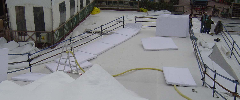 Prallschutzmatten und anderes Sicherheitsmaterial für Rodelpisten und snowtubing Bahnen