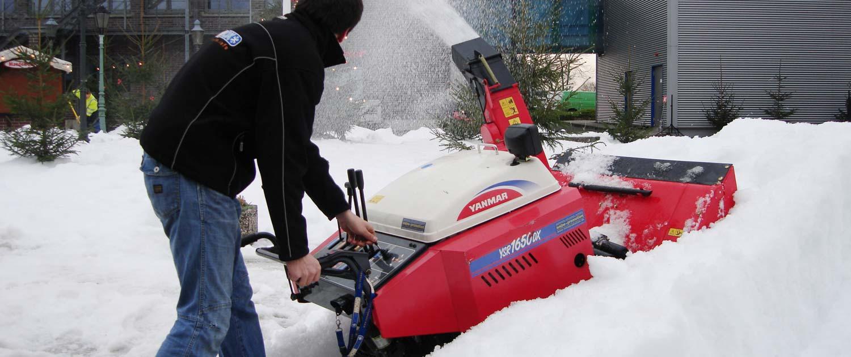 snow+promotion verleiht Schneefräsen, Pistengeräte und anderes Material zur Durchführung von Winterevents